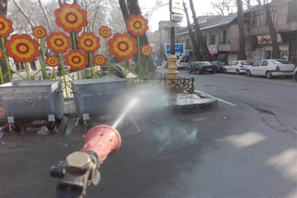 معابر شهر دماوند با 25 هزار لیتر محلول ضدعفونی کننده گندزدایی شد