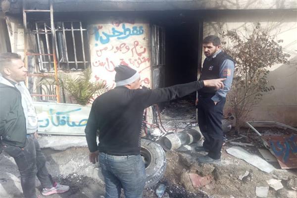 اطفای حریق یک کارگاه توسط عوامل آتش نشانی دماوند در ضلع جنوبی بلوار شهید سلیمانی