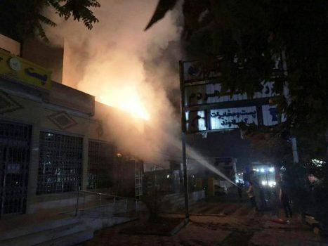 اطفاء حريق بخشي از فروشگاه مواد غذايي در دماوند